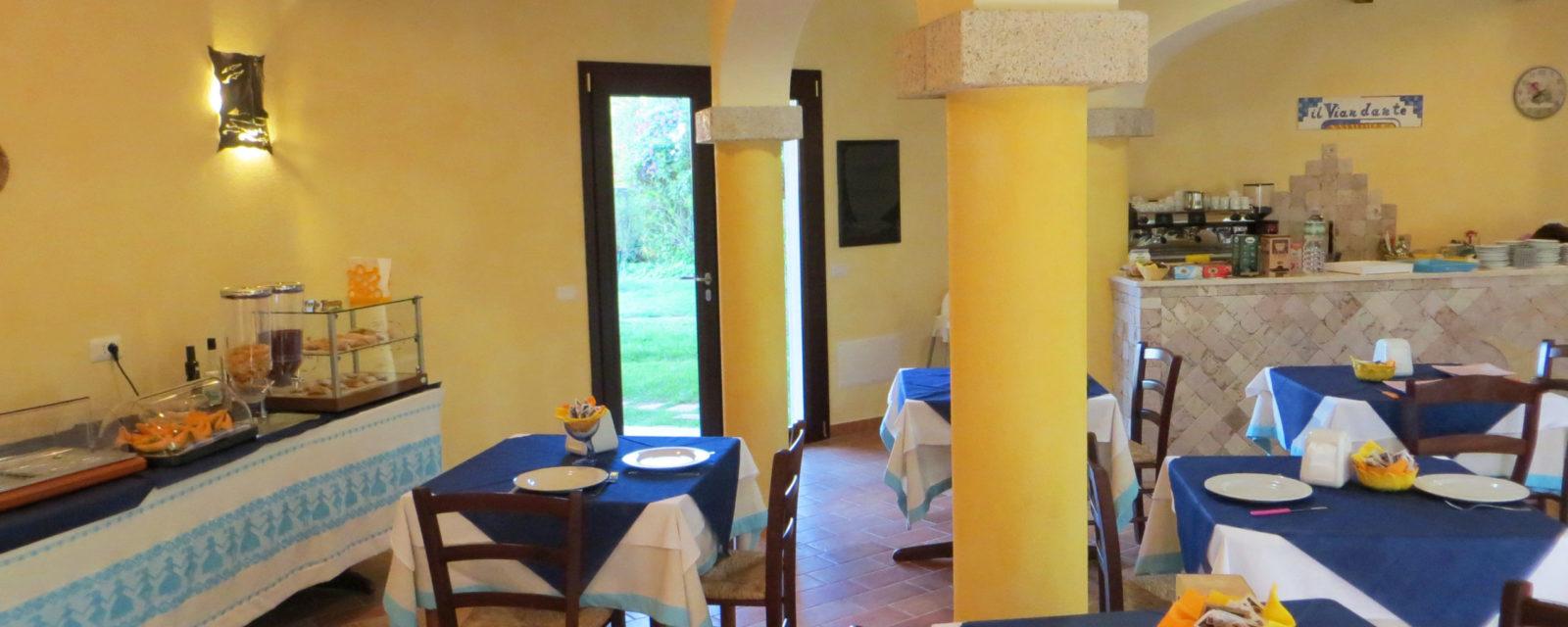 La sala delle colazioni dell'Hotel a San Teodoro Sardegna