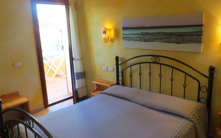 Una camera dell'Hotel a San Teodoro