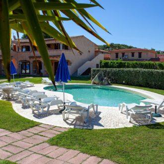 Hotel con Piscina a San Teodoro
