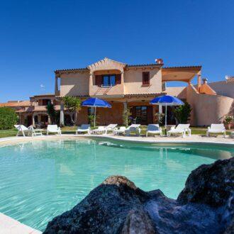 Hotel Il Viandante con Piscina a San Teodoro
