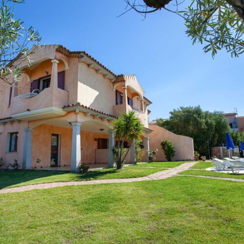 Hotel con giardino a San Teodoro
